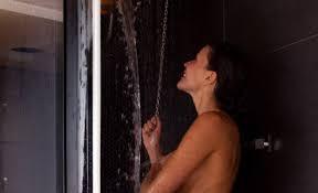 Duş Yaparken Güzelleşmenin 5 Püf Noktası